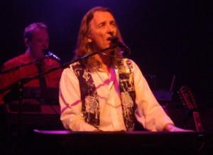 Roger 1 300x218 Roger Hodgson   Live at Hinckley, Minnesota, March 2, 2012