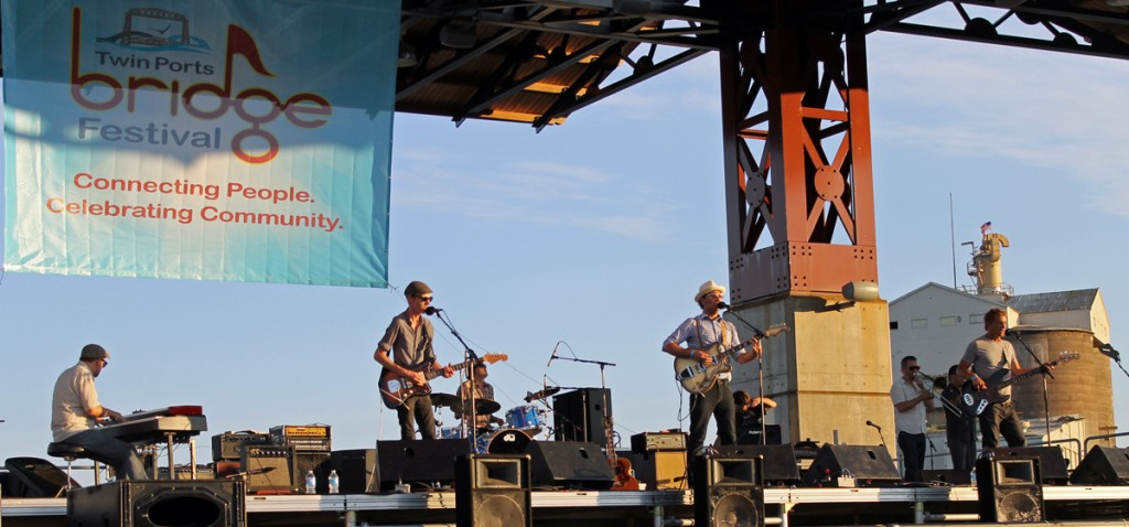 Honeydogs 6 1024x478 The Honeydogs   Live at Bridgefest, Duluth Minnesota, July 7